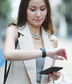 IoT in Fashion and Lifestyle > Woman Shopping > Dassault Systèmes®