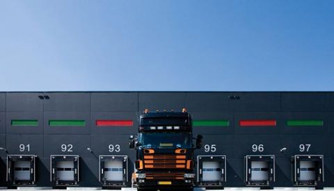 3 smart moves that slash intermodal costs > Solution Brief cover > Dassault Systèmes